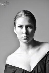 Clara Gil (27)