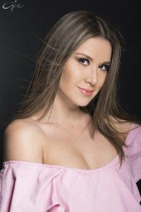 Clara Gil (28)